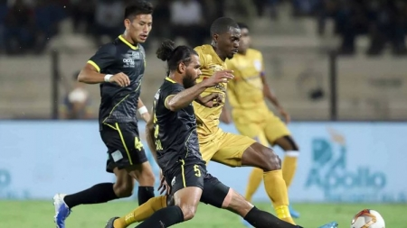 Hyderabad FC hold Mumbai City with late penalty strike