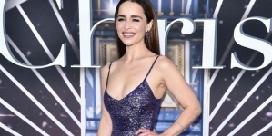 Emilia Clarke promises virtual dinner date in exchange for COVID-19 donation