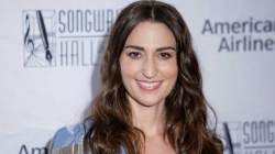 Sara Bareilles reveals coronavirus diagnosis, says she has 'fully recovered'