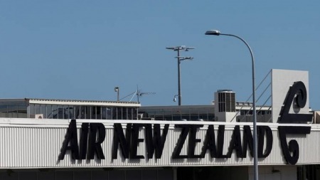 100,000 tourists stuck in New Zealand to leave as rules ease