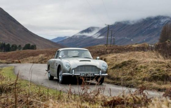 Aston Martin restarts production of Goldfinger DB5<span class=
