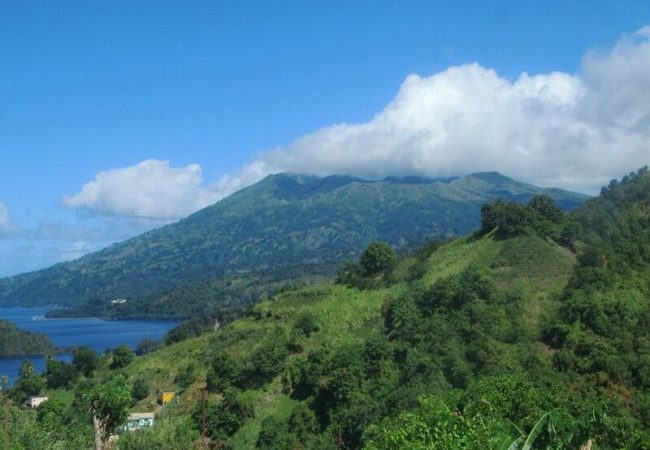 St. Vincent Residents Evacuate as La Soufriere Volcano Erupts No ratings yet.